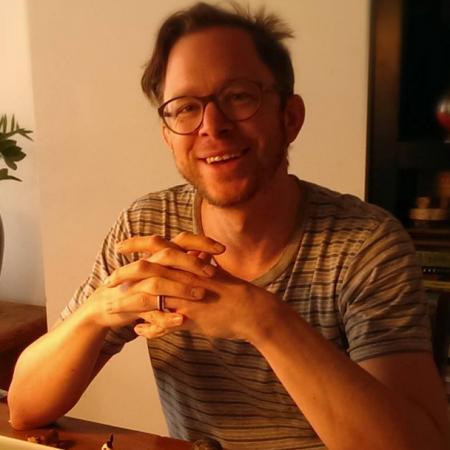 Jonathan BélisleDirector / Réalisateur
